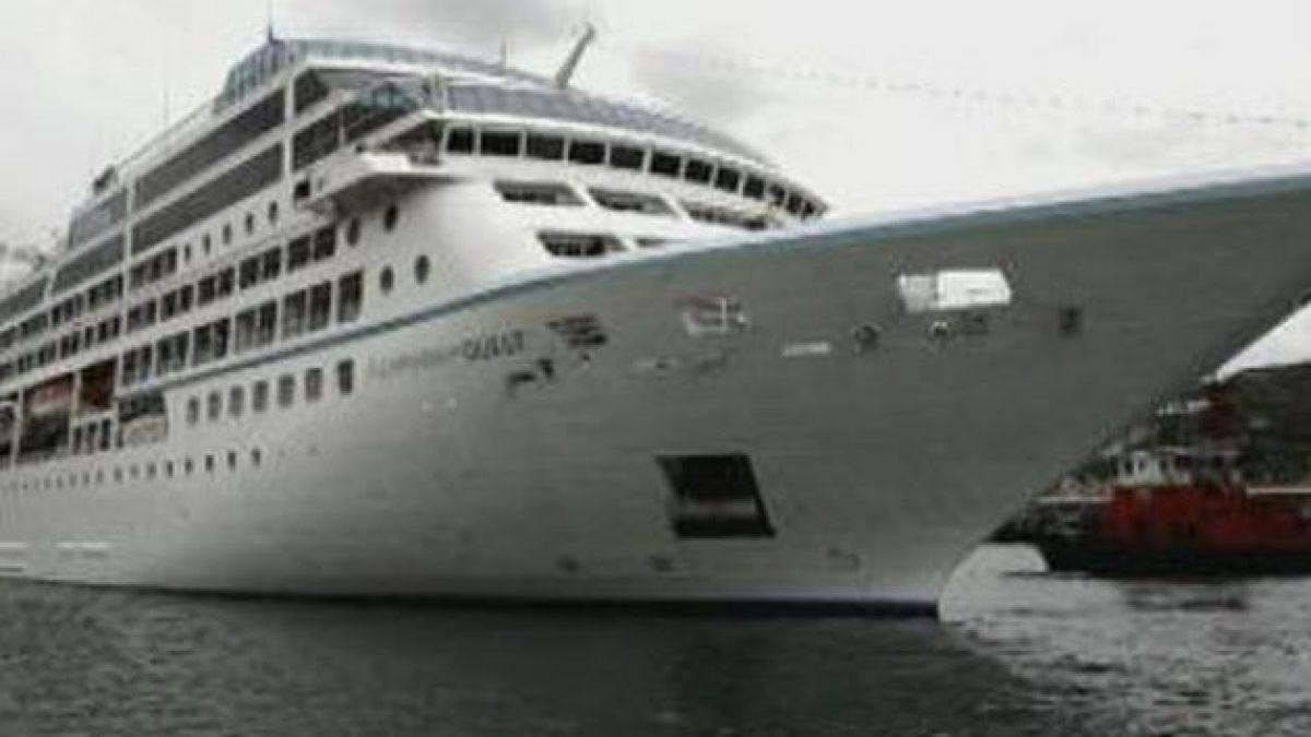 Crucero afectado por incendio vuelve a navegar