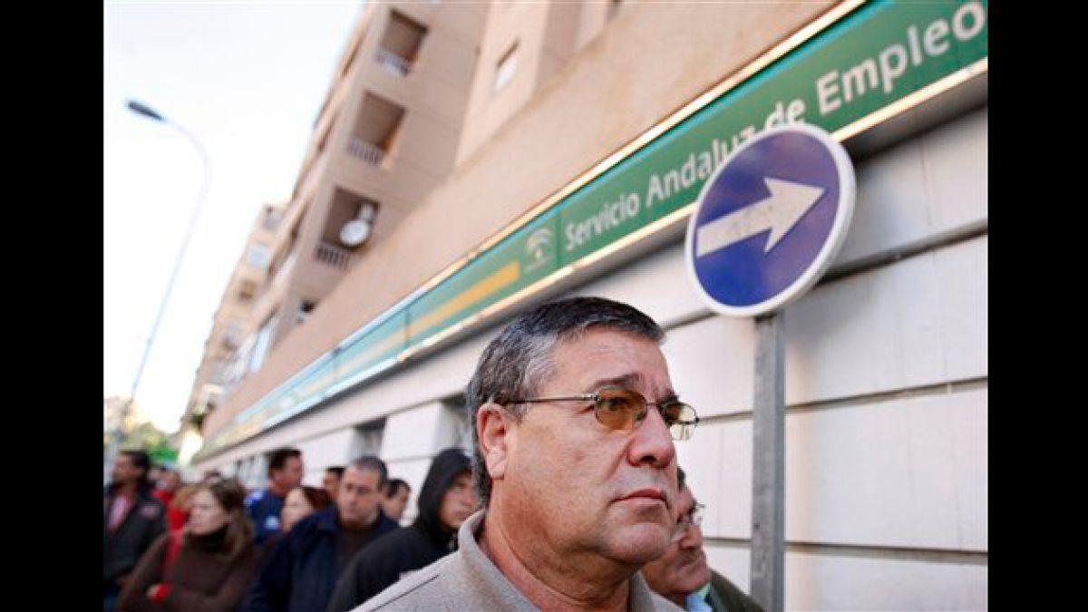 Tasa de desempleo en España bajó un 2,6%