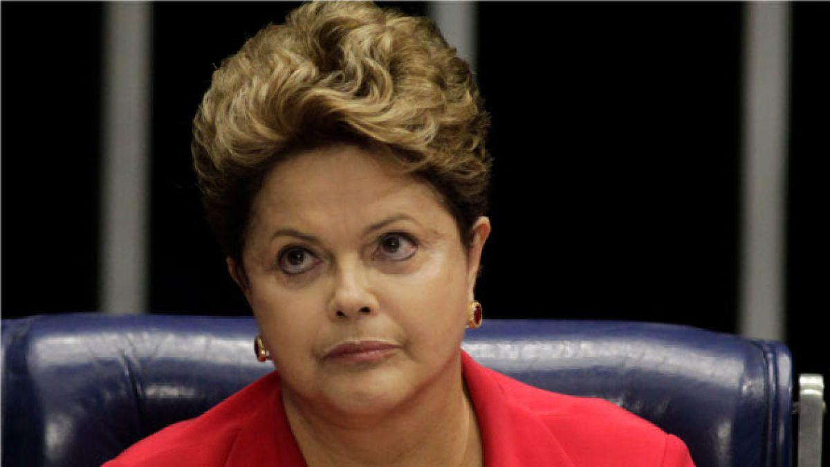 Dilma Rousseff cancela viaje de equipo a EE.UU. tras escándalo