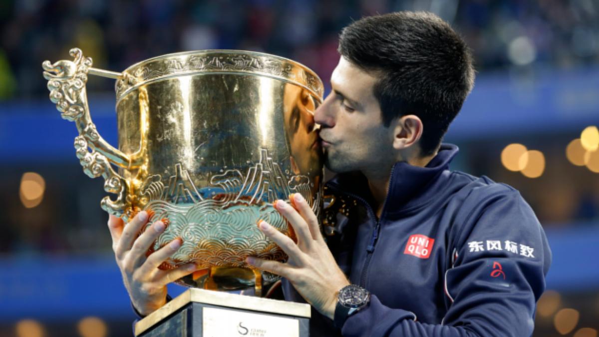 Djokovic gana por quinta vez en Pekín al destronar a Berdych