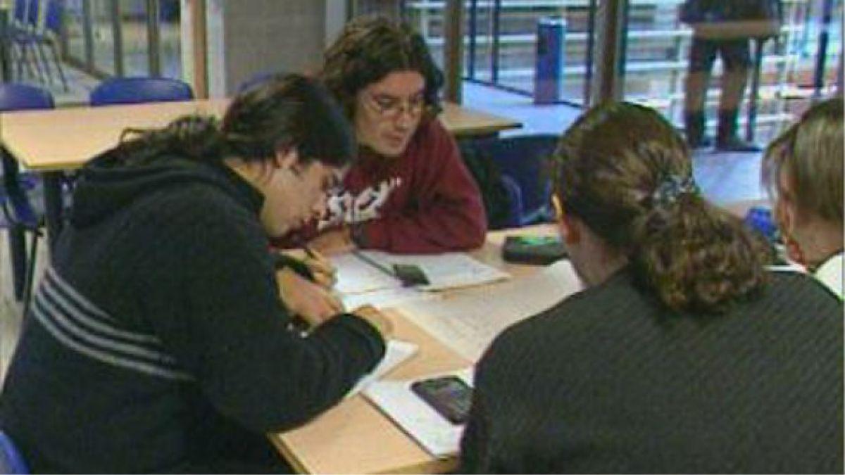 Titular de Comisión del Mineduc cuestiona propuesta de financiamiento universitario