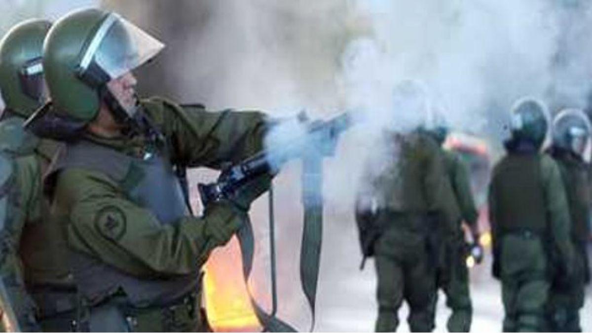 Encapuchados levantan barricadas y se enfrentan a Carabineros en sector del ex Pedagógico