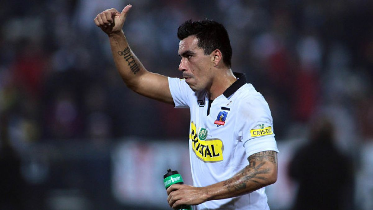 Esteban Paredes confirma que se queda en Colo Colo pese a oferta desde Emiratos Árabes