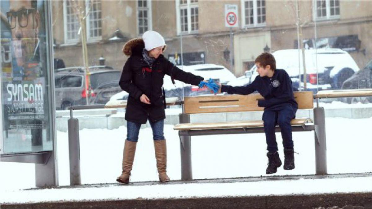 Frío polar: Realizan curioso experimento con agua hirviendo