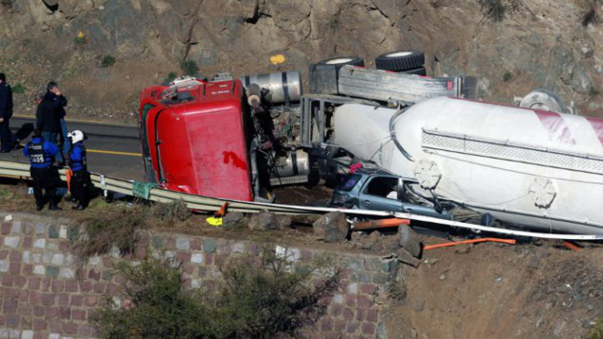 Anglo American lamenta accidente automovilístico en Farellones