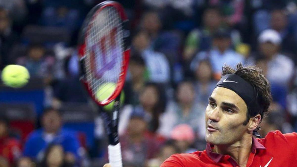 Federer se impone a Djokovic y jugará la final ante Simon
