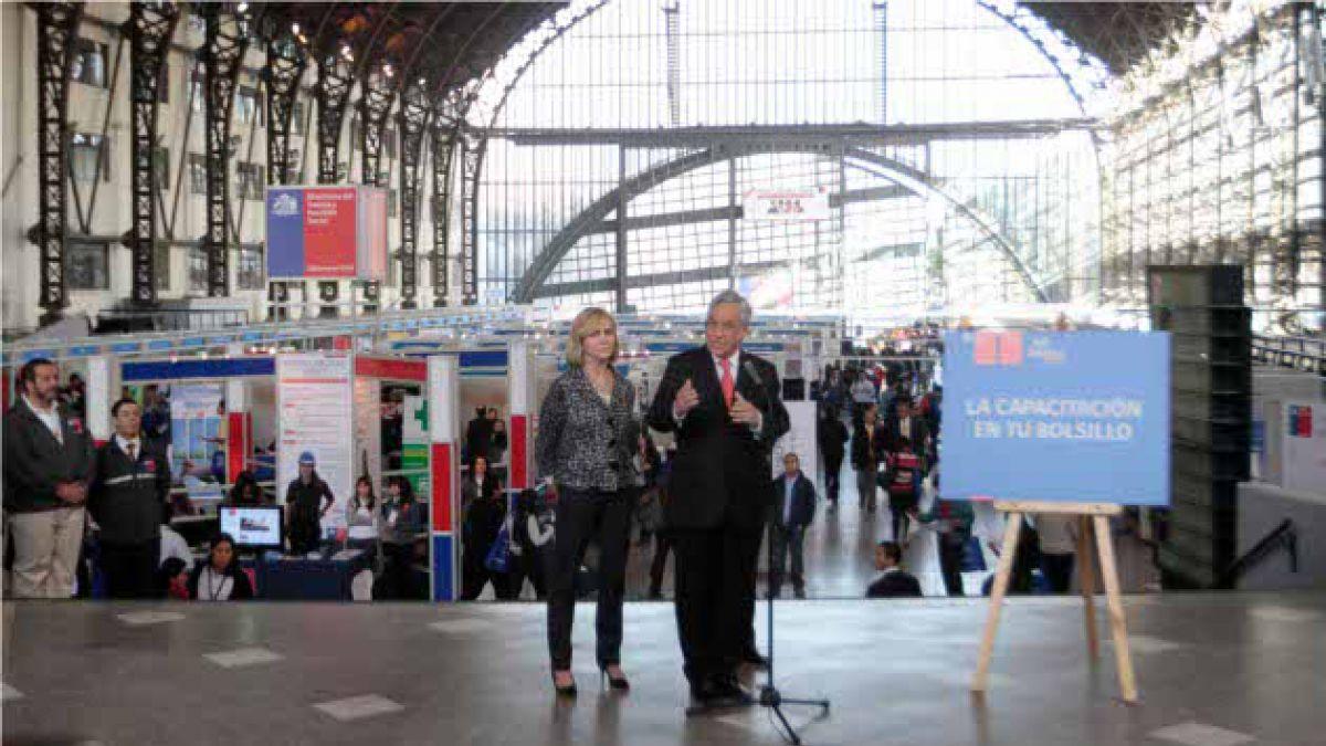 Presidente Piñera inauguró feria laboral en Estación Mapocho