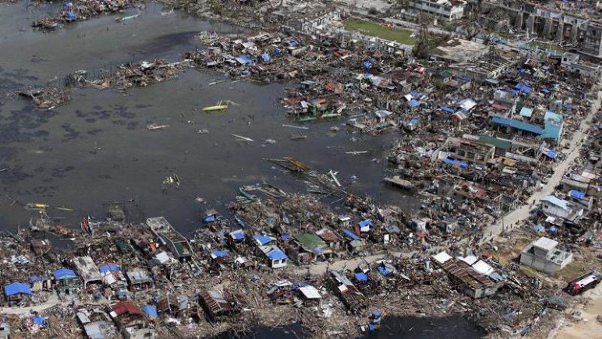 Tifón Haiyan deja 10 mil muertos y 2.000 desaparecidos en Filipinas