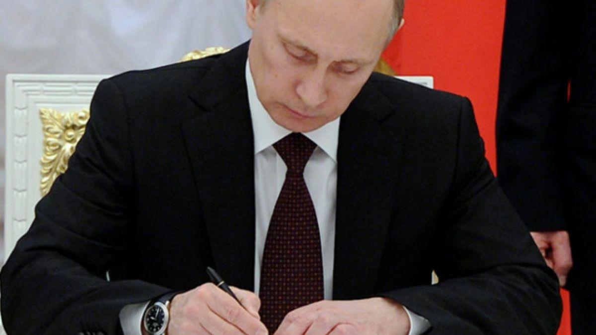 Finaliza proceso de incorporación de Crimea a Rusia con firma de ley