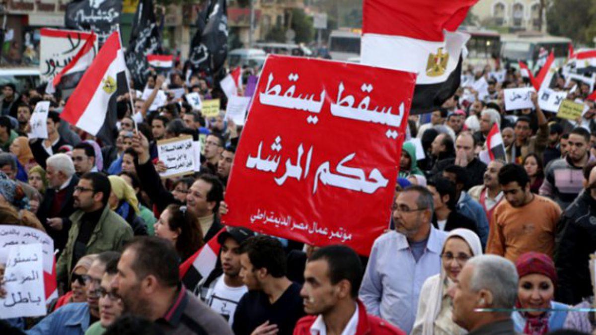 Protestas a favor y en contra de Morsi dividen a El Cairo