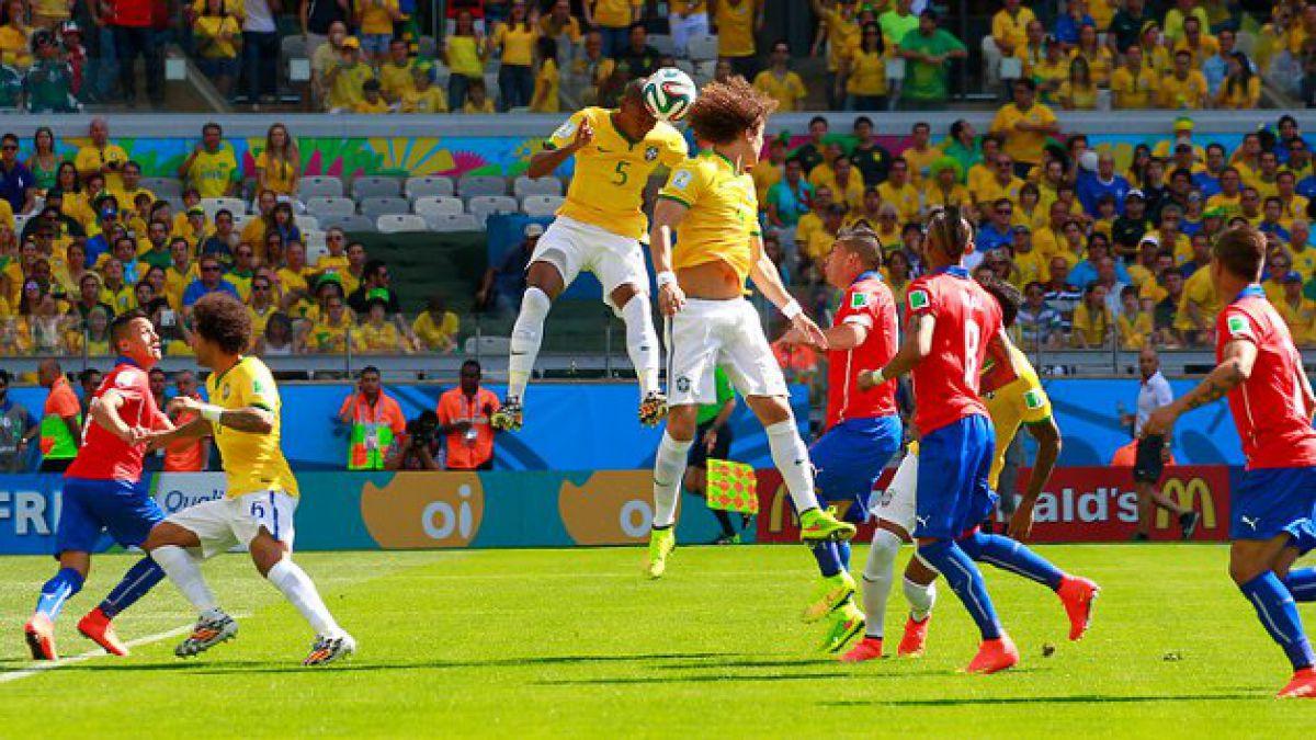 Por primera vez, Chile termina un primer tiempo empatado ante Brasil en un Mundial