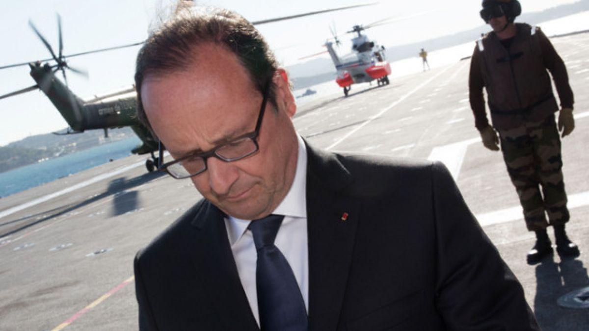 Presidente de Francia pide formar nuevo gobierno tras críticas de ministros