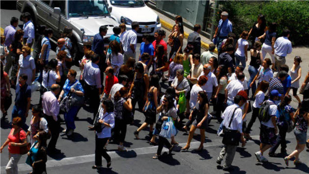 Tasa de desempleo subió un 6,2% en Santiago