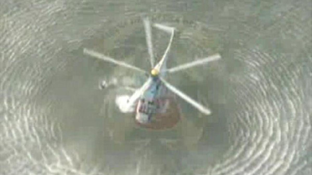 Rescatan a cinco ocupantes de globo que cayó al mar en Perú