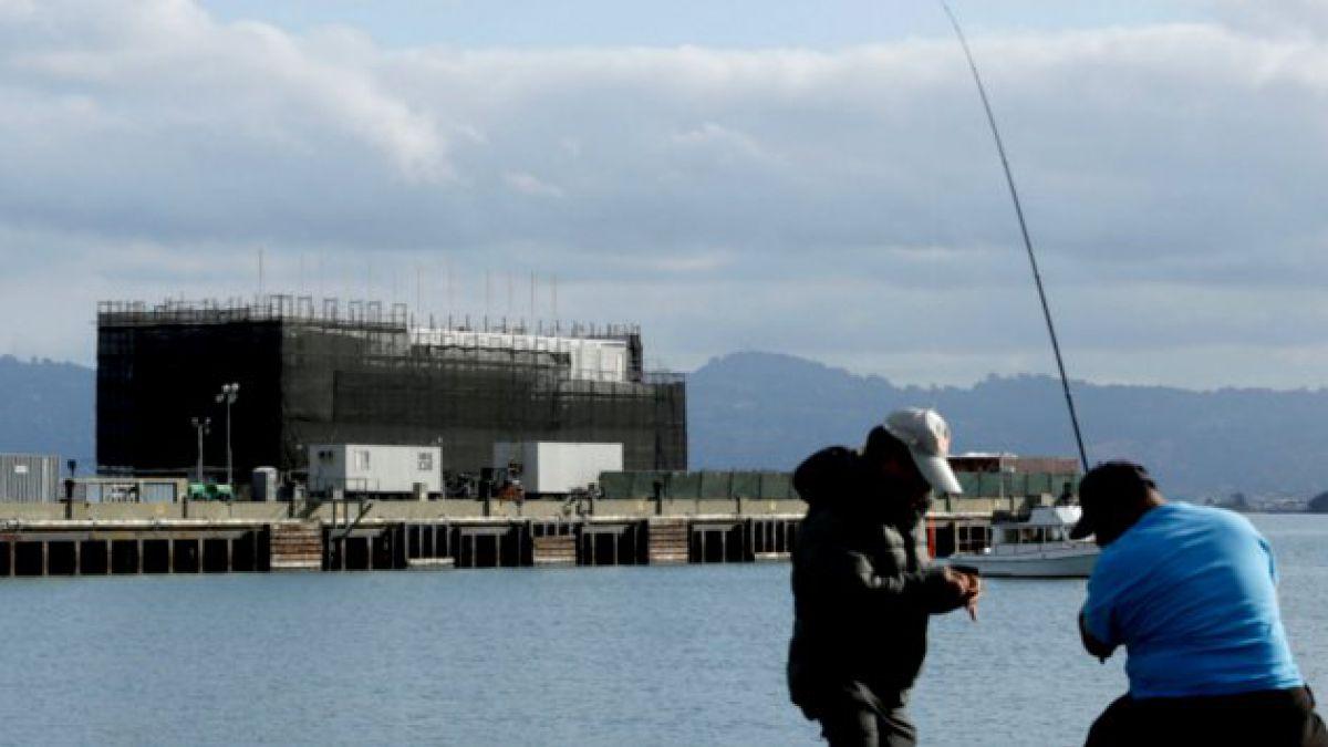 Piden a Google mover misteriosa barcaza ubicada en San Francisco