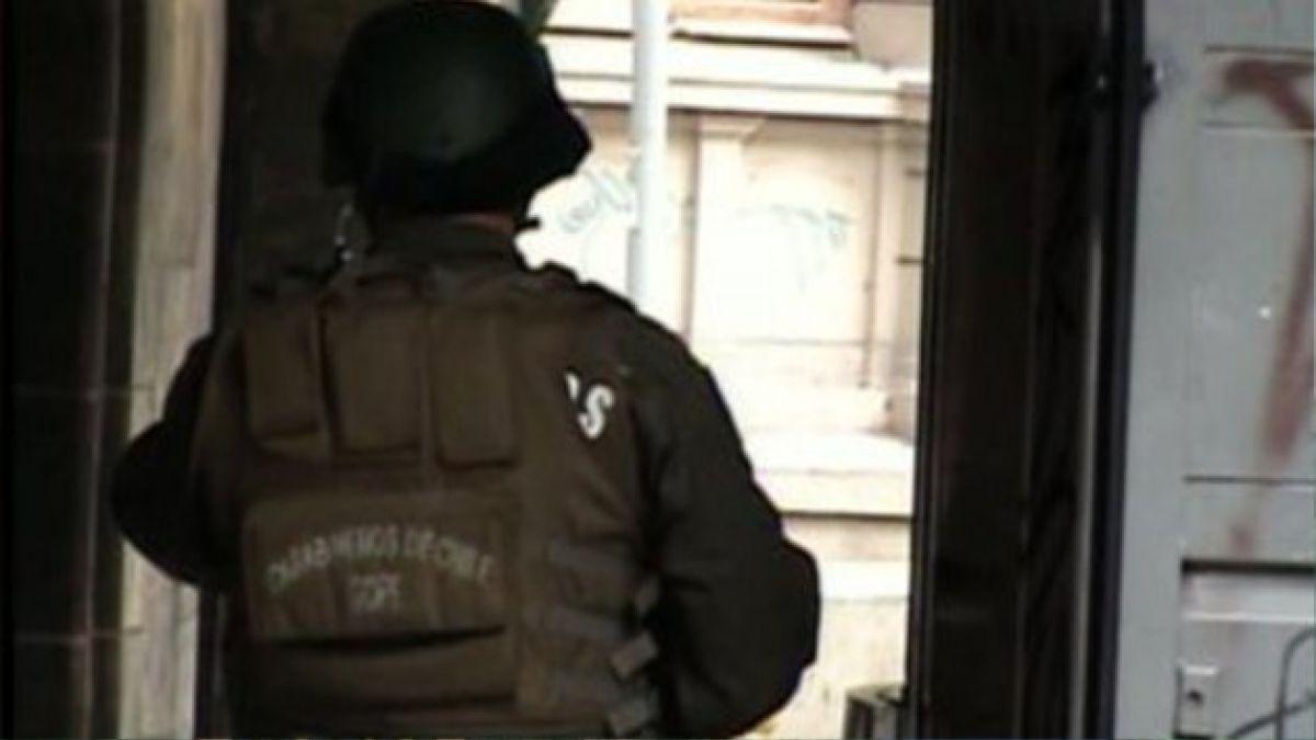 Paquete sospechoso moviliza al GOPE a inmediaciones de dirección nacional de Gendarmería