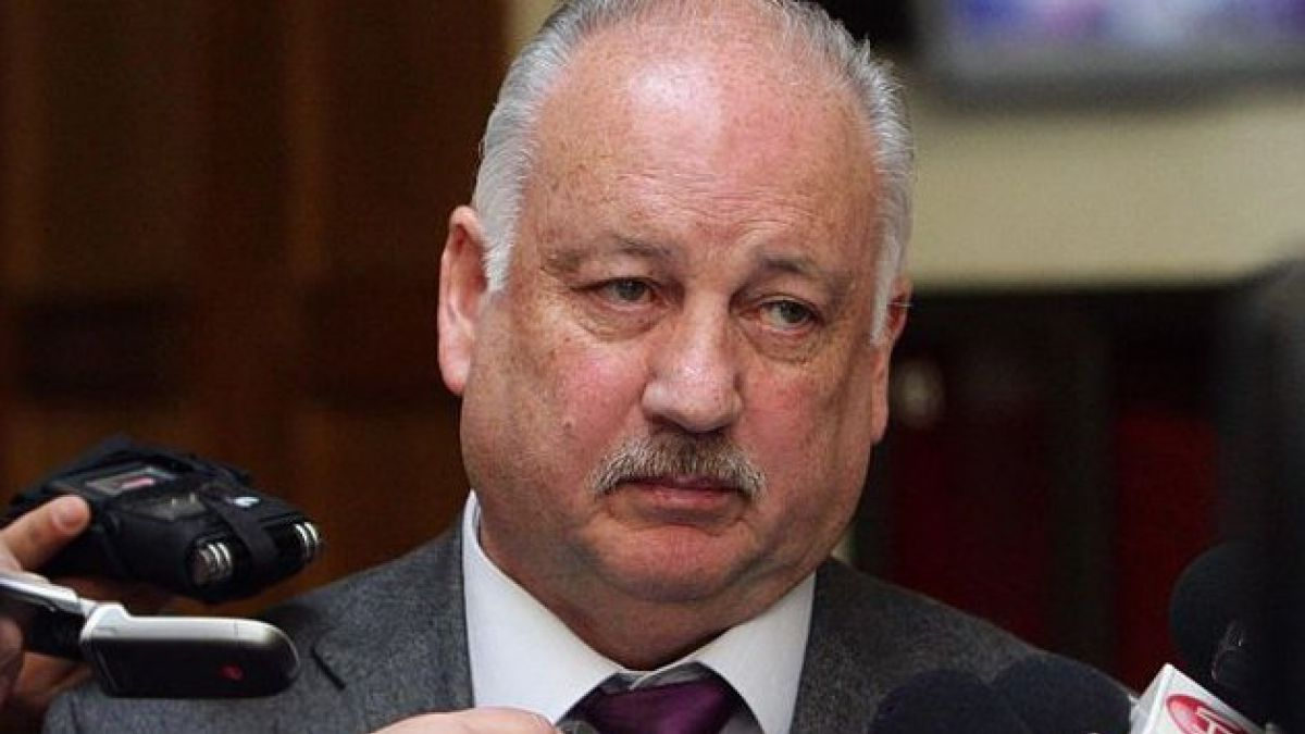 Presidente del PC lamenta amenaza de bancada DC de poner fin a pacto municipal