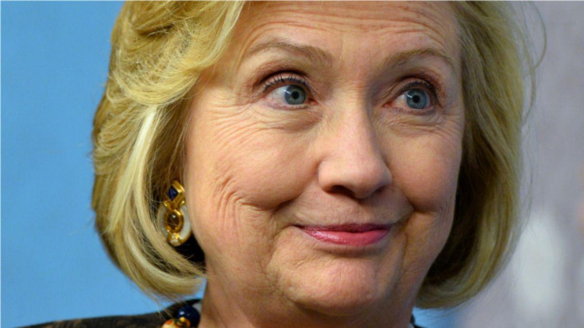 Multan a Hillary Clinton en Londres
