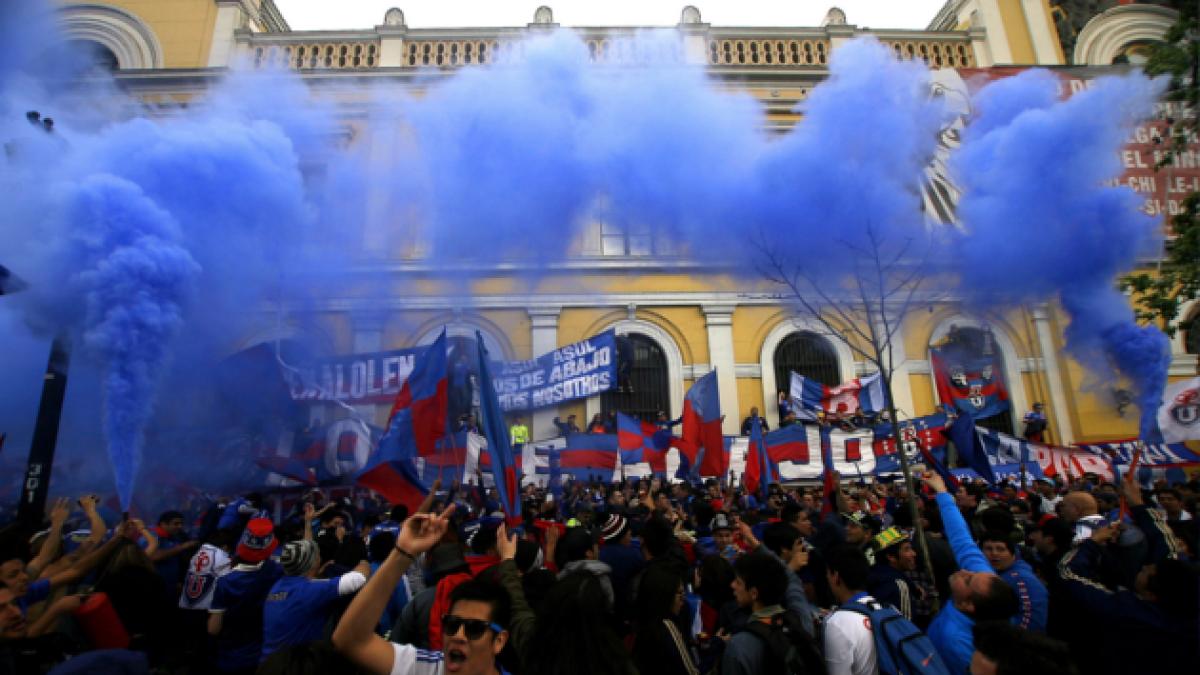 [FOTOS] Hinchas de la U marchan contra el Plan Estadio Seguro