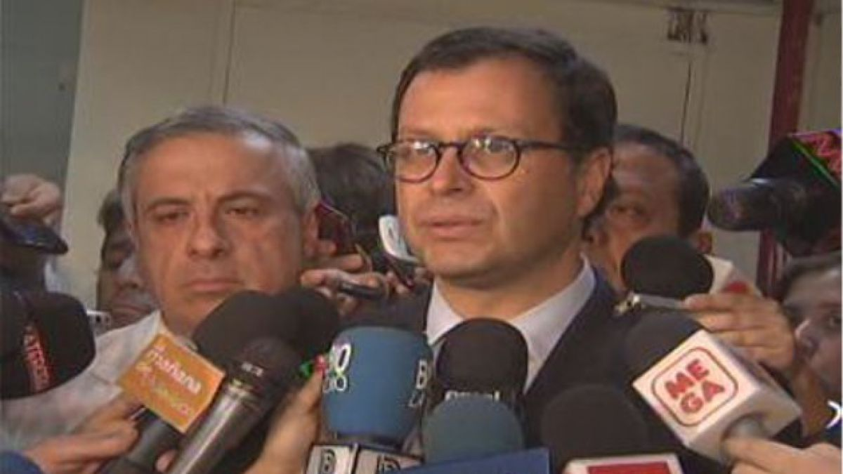 Ministro Hinzpeter recibe a intendenta de Aysén en La Moneda