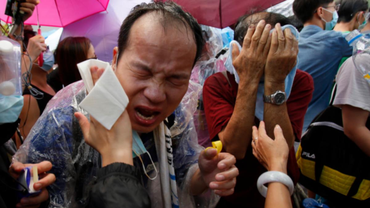 [FOTOS] Reprimen con gas lacrimógeno manifestaciones prodemocráticas en Hong Kong