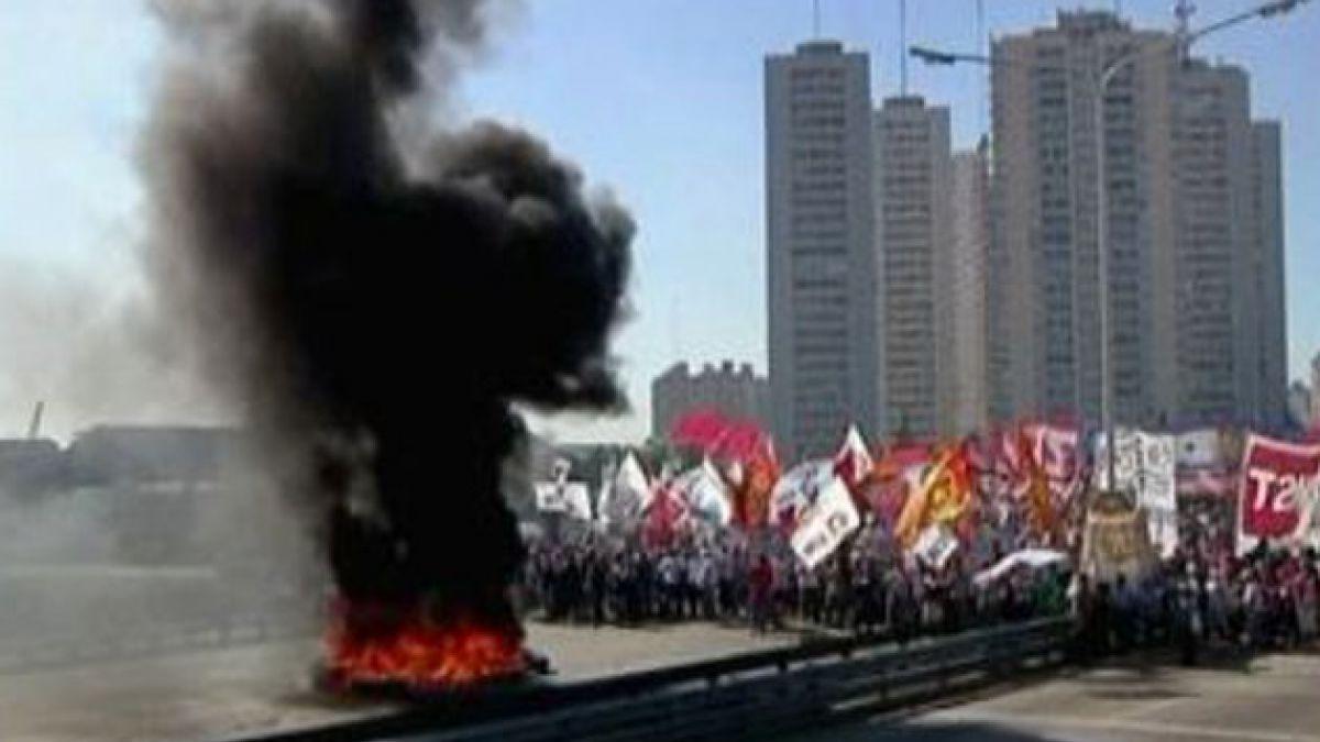 Gobierno argentino responde con dureza a dirigentes sindicales