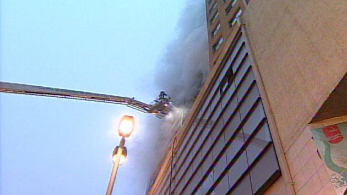 Más de 50 evacuados dejó gigantesco incendio en Santiago Centro