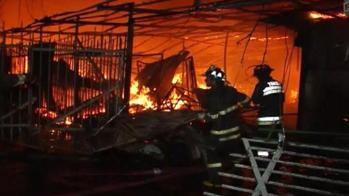 Incendio destruye bodegas de Multicentro en Talca