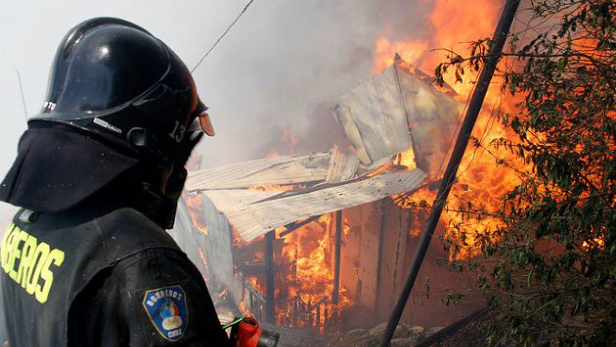 Valparaíso: Levantan alertas rojas en San Antonio y Santo Domingo