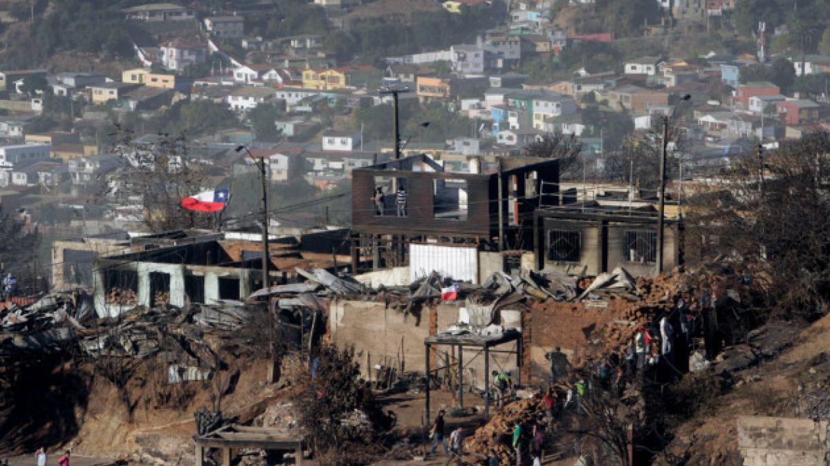 Estudiantes postergan marcha prevista para el 24 de abril por incendio en Valparaíso