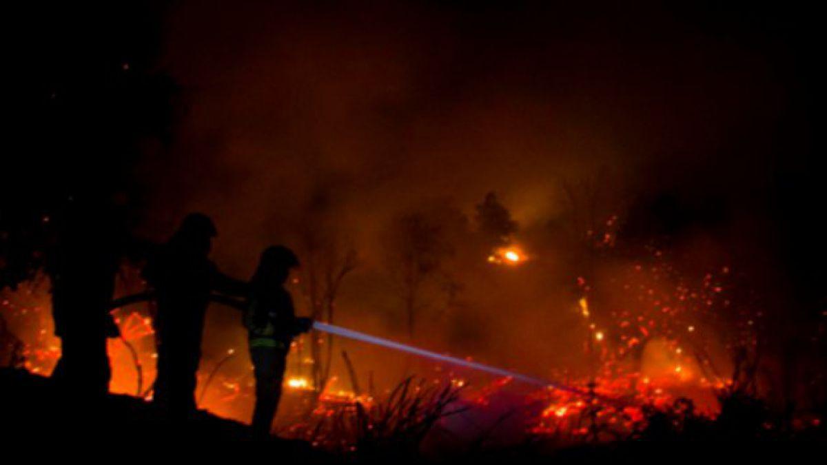 Se declara Alerta Roja para las provincias de Concepción y Ñuble por incendios forestales