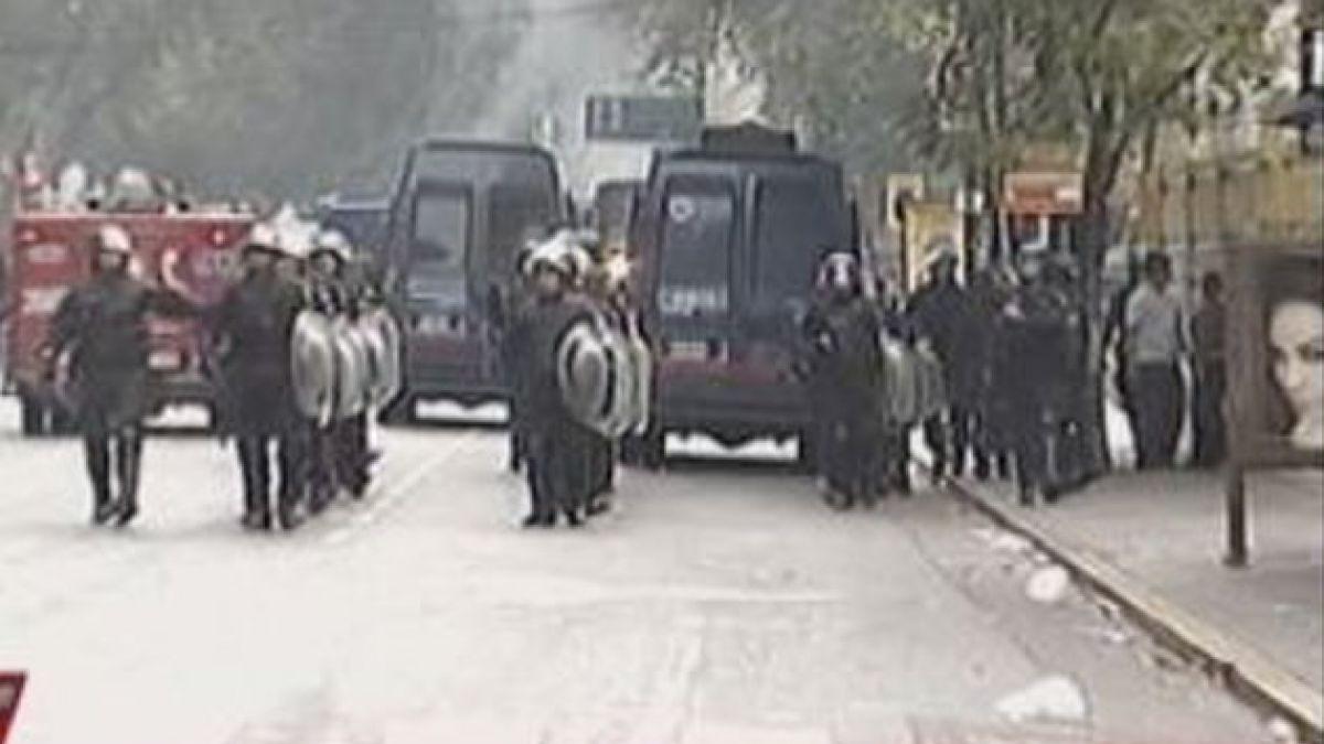 Protesta frente a la embajada británica en Argentina dejó varios heridos