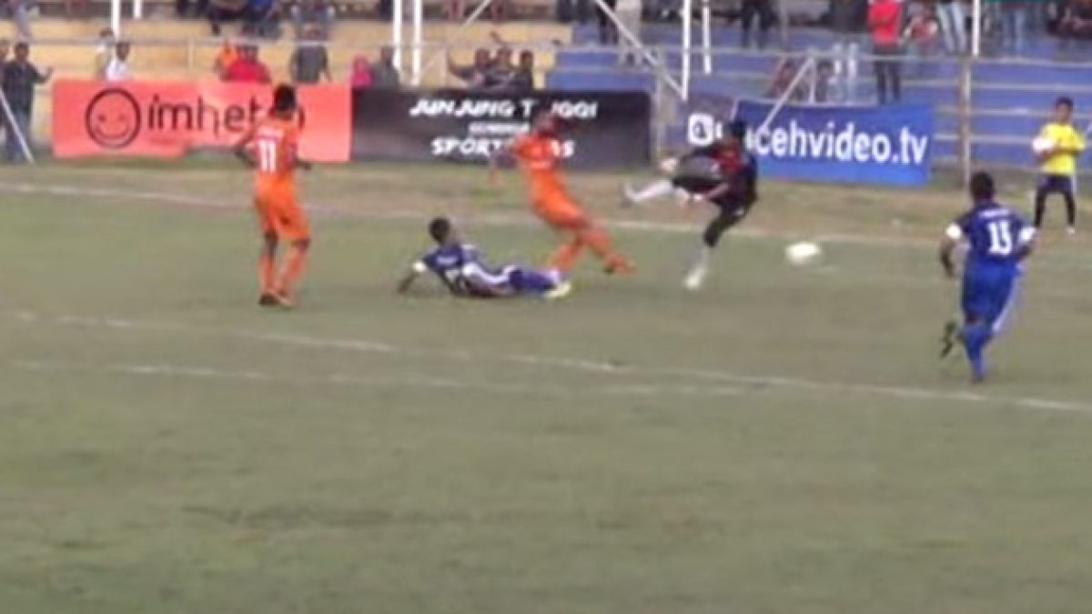 VIDEO: Futbolista murió tras recibir brutal patada en Indonesia