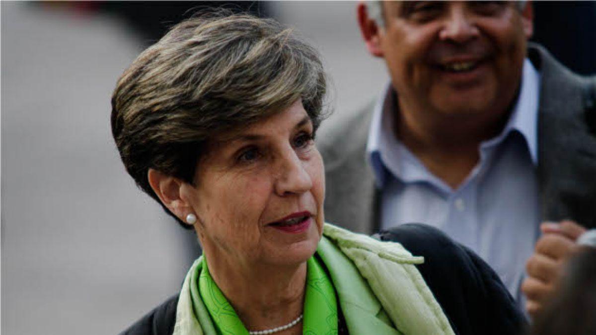 Senadora Allende aclara su participación en caso de exonerados