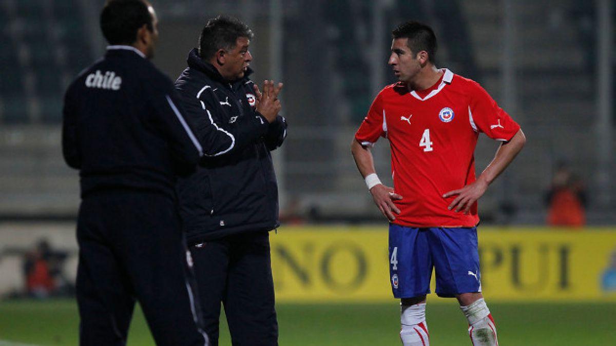 Mauricio Isla responde duramente a críticas de Claudio Borghi