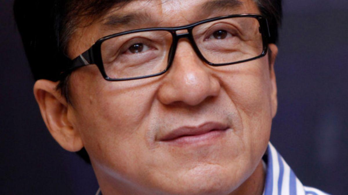 El mea culpa que hizo Jackie Chan por la detención de su hijo por drogas
