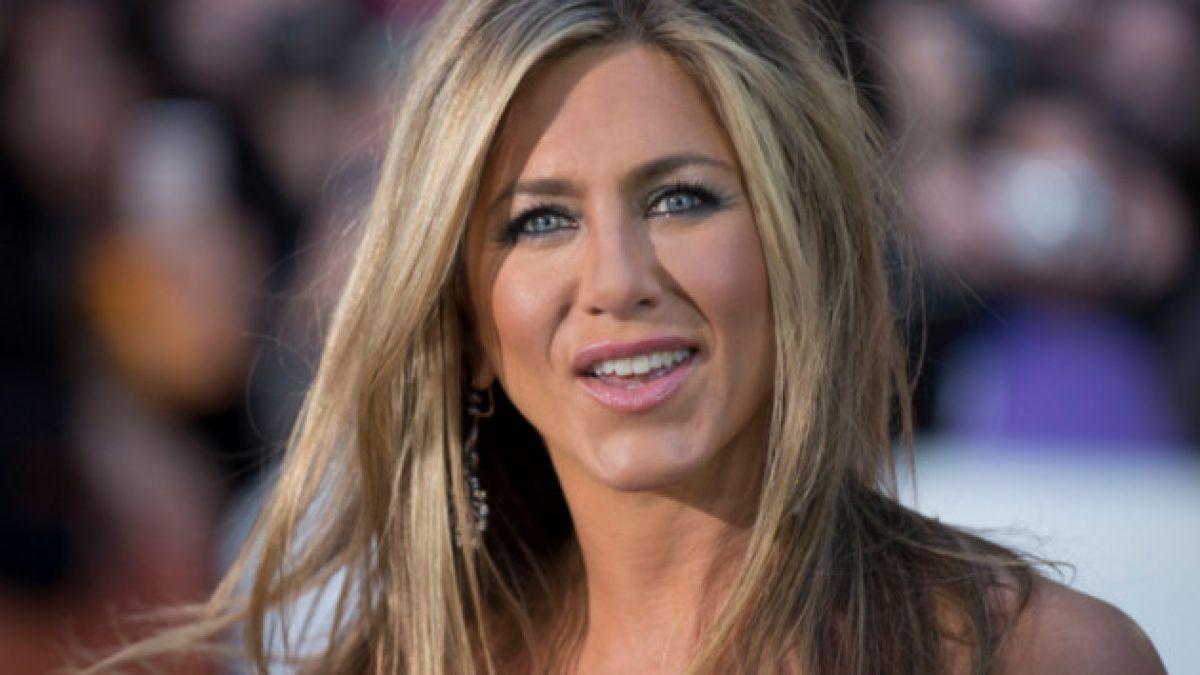 Detienen a cosmetóloga de Jennifer Aniston por intento de homicidio