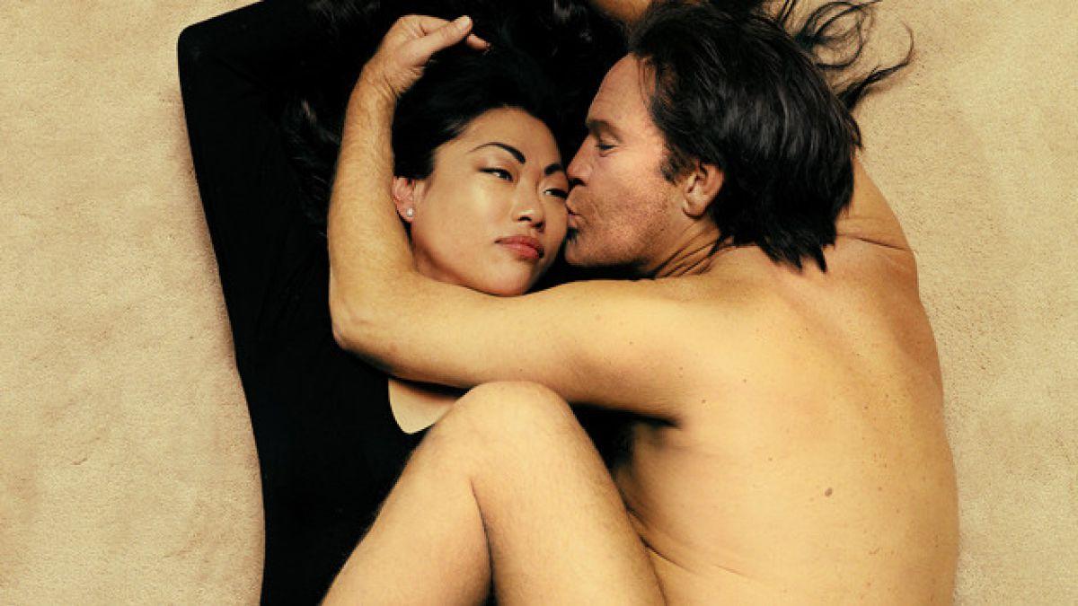 [FOTOS] John Malkovich se transforma en Marilyn Monroe y John Lennon en curiosa sesión
