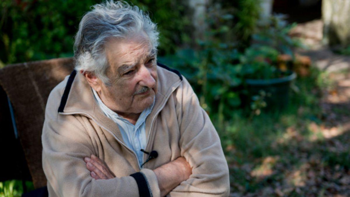 José Mujica defiende a Luis Suárez: Yo no vi que haya mordido a nadie