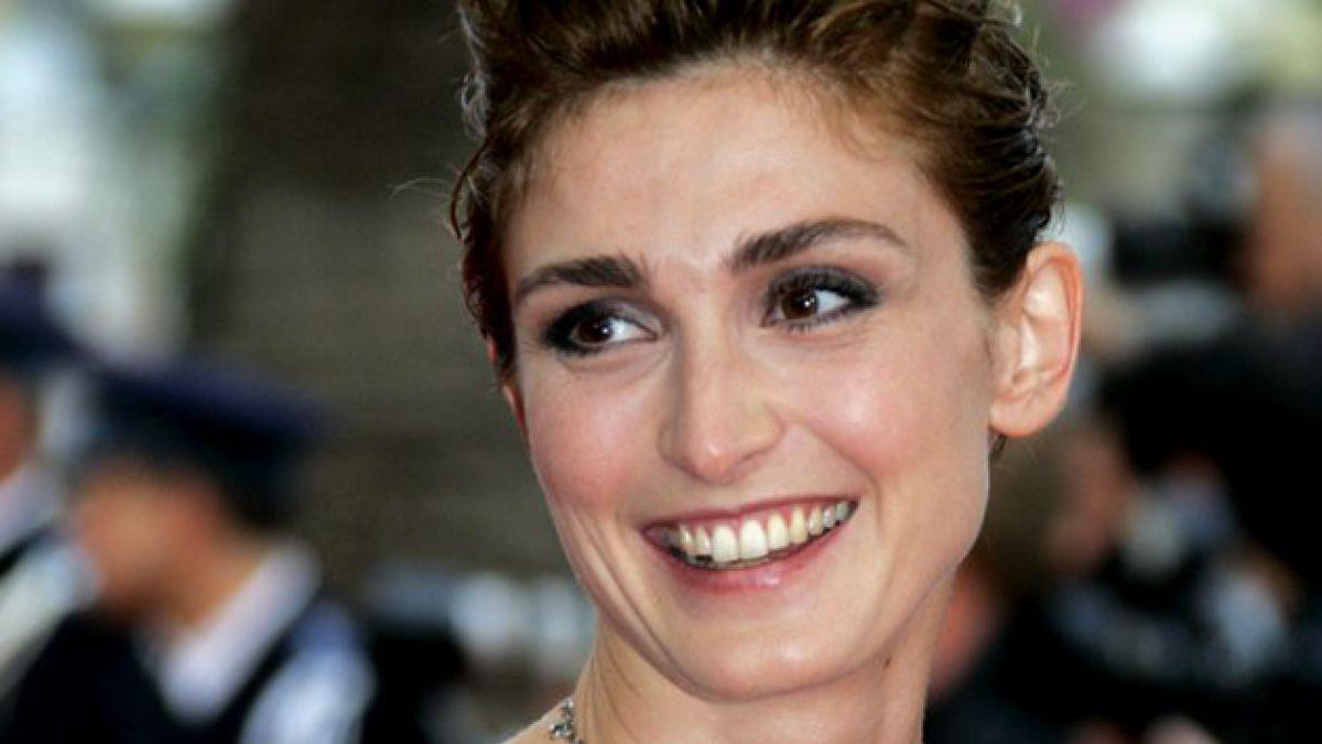 Anulan nombramiento de actriz por supuesto affaire con Hollande