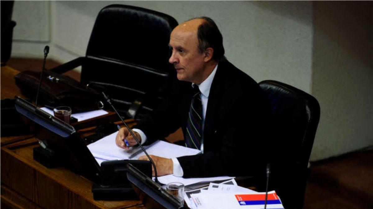 Larroulet afirma que propuestas de Bachelet han influido en la inversión