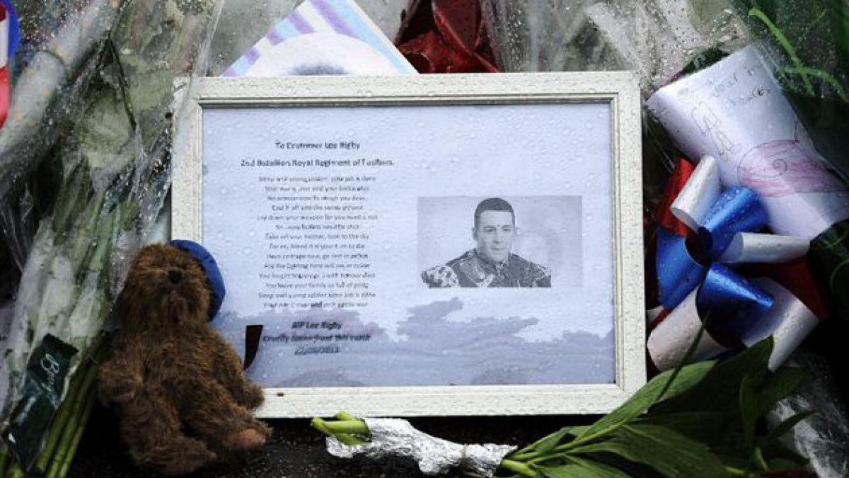 Liberan a tres sospechosos del asesinato de soldado británico