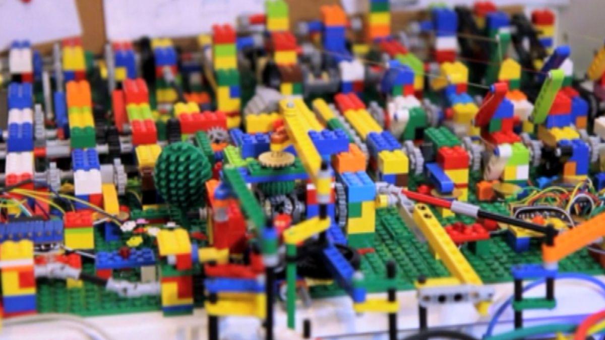 VIDEO: Una orquesta de LEGO que toca música electrónica