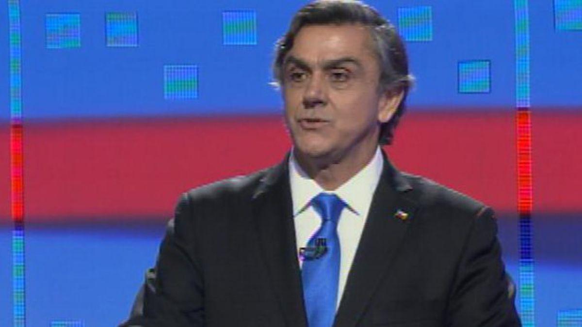 [Tú Decides]  Pablo Longueira llega a votar