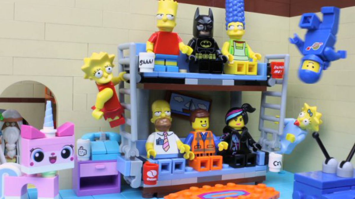 "VIDEO: Los Simpsons y personajes de ""Lego: La película"" intercambian roles"