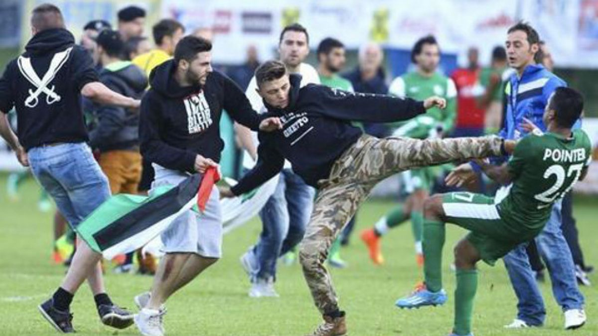[VIDEO] Pro palestinos agreden a jugadores de Maccabi Haifa durante partido amistoso