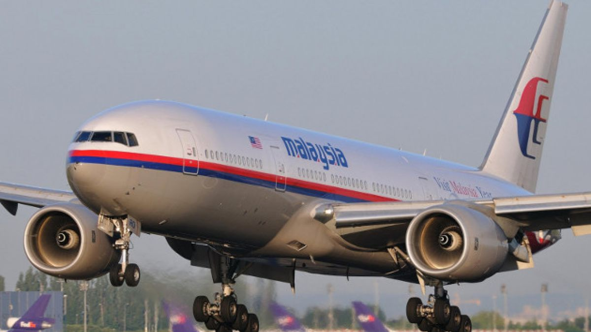 Avión desaparecido de Malaysia Airlines habría volado con piloto automático