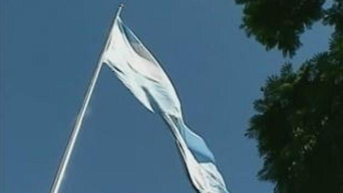 Reino Unido prohíbe exportar material militar a Argentina
