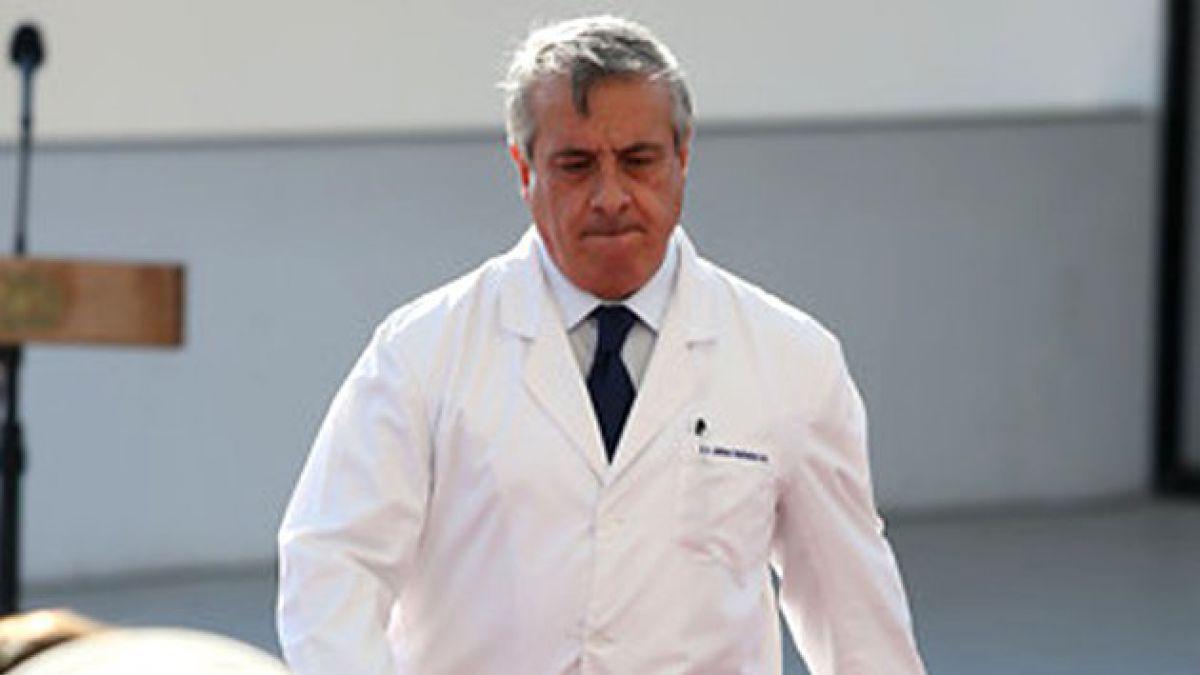 "Ministro de Salud acusa ""mano negra"" en polémica por asesorías"