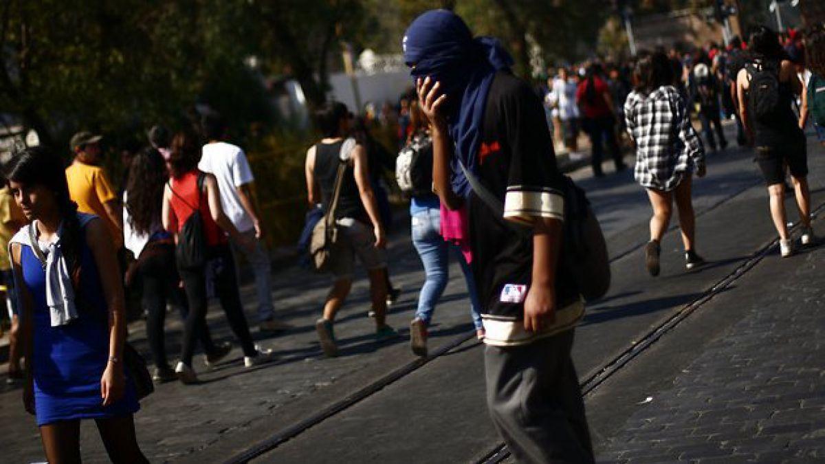 Primera marcha estudiantil del año terminó con 60 detenidos